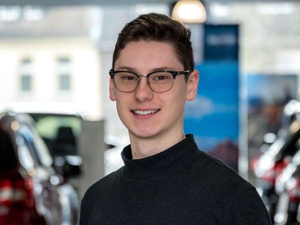 Azubi Kundendienst Anton Blatner