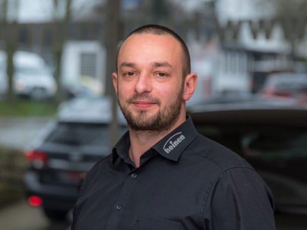 Verkaufsassistent Dimitri Bondarew
