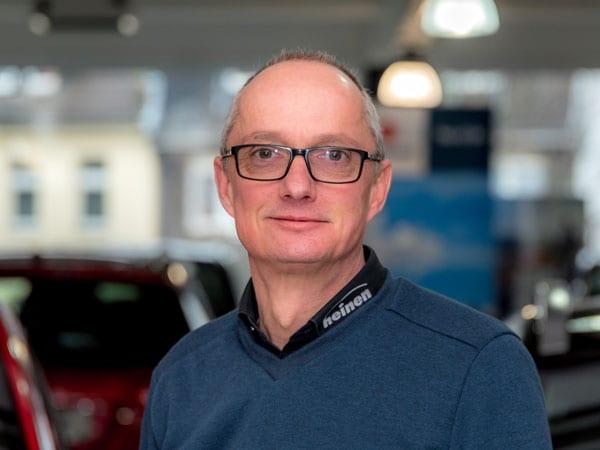 Kundendienstberater Horst Ziegler